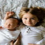 Сестра и брат здоровые счастливые дети