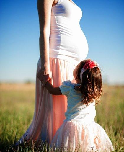 Не рекомендуется проводить флюорографию и рентген беременным и детям до 15 лет
