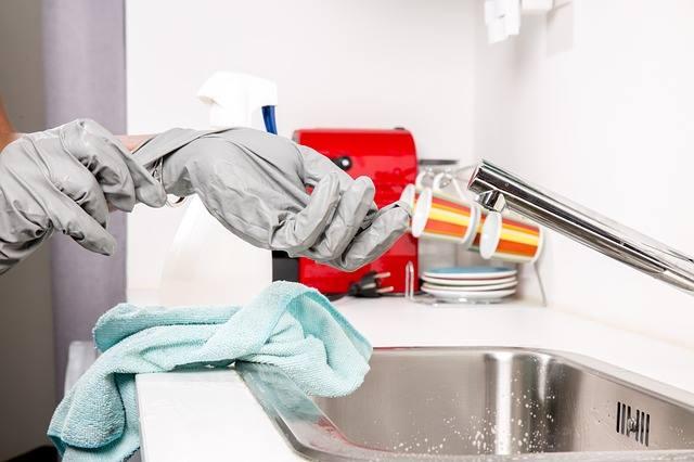 Лица ухаживающие за больными должны защищать себя от инфекции