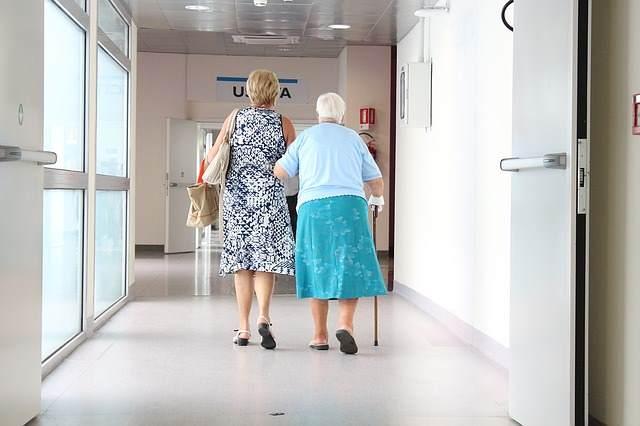 Во время лечения необходимо регулярно посещать фтизиатра