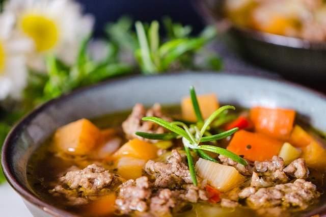 Восточный суп из мяса и овощей