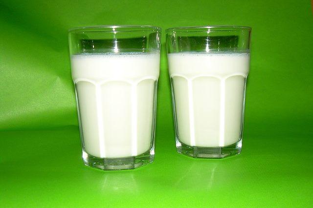 Для увеличения шанса выздороветь необходимо пить молоко