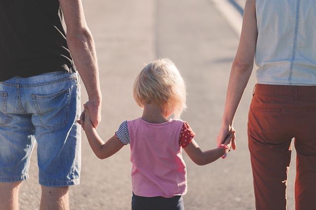 За ребенком нужен хороший постоянный уход