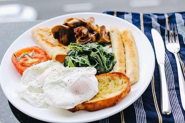 При усиленной диете добавляют второй завтрак полдник