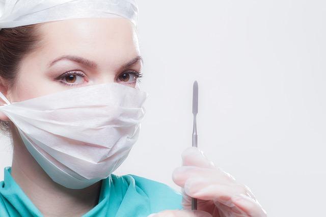 Если не помогает терапия назначается операция на бронхи