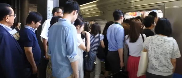 Подхватить инфекцию можно в общественном транспорте